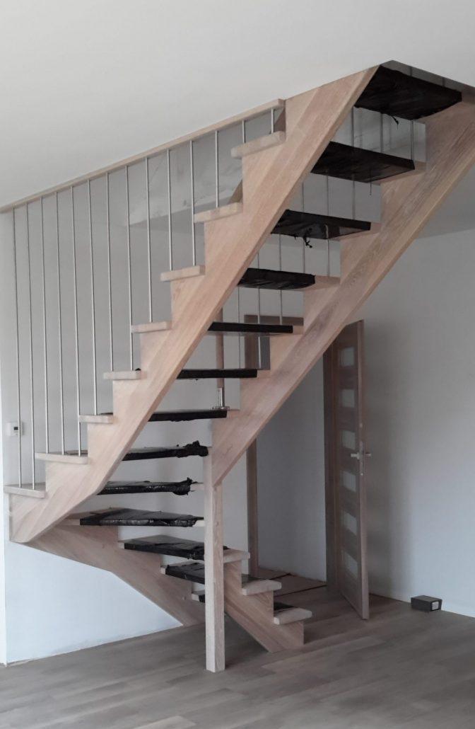 schody samośne